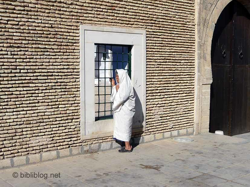 Tunisie-femme-voile