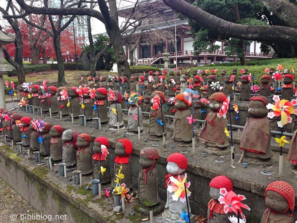 Tokyo-statuettes-Zojo-ji