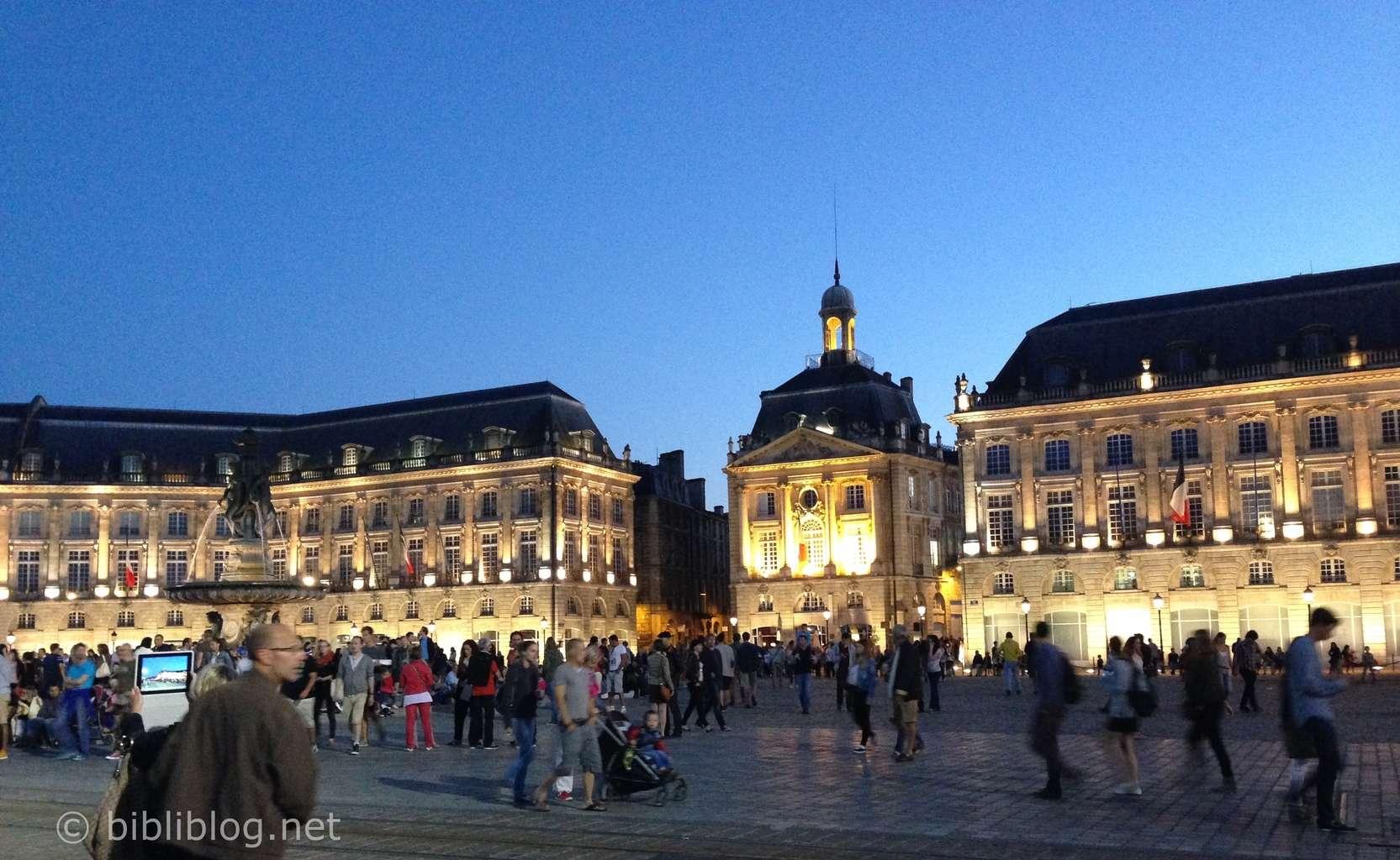 Bordeaux-place-bourse-nuit-2