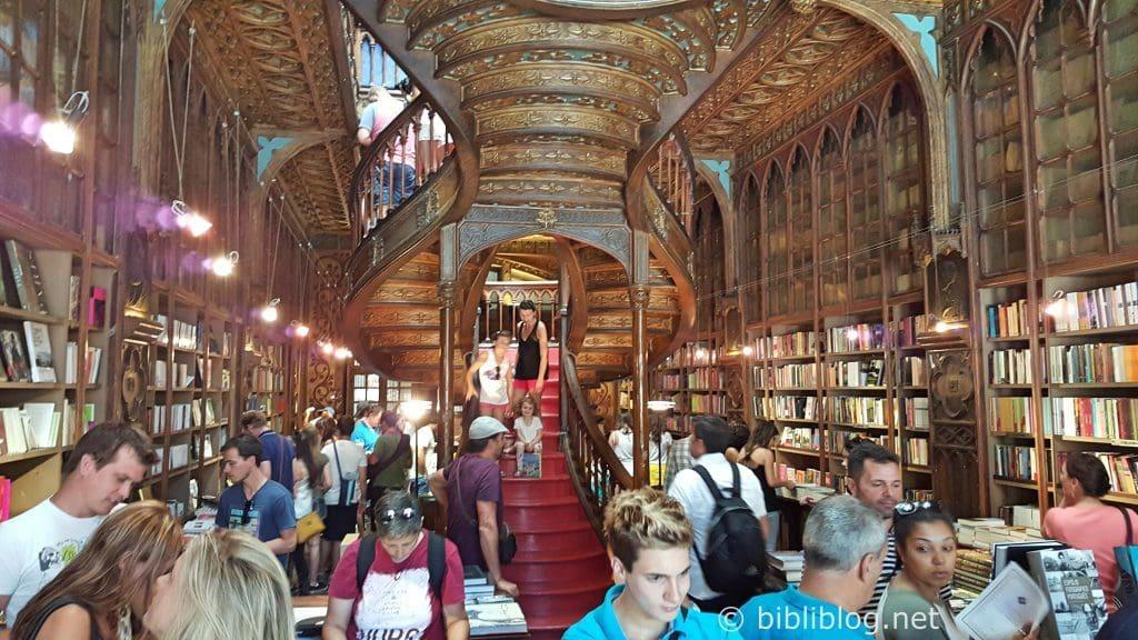 librairie-porto-intérieur