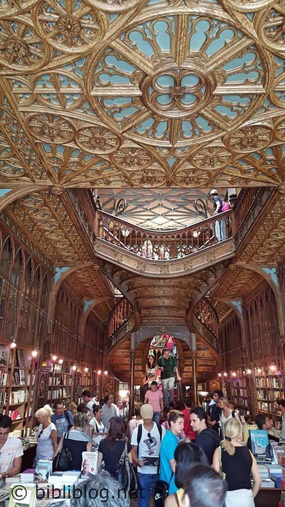 porto-librairie-intérieur-3