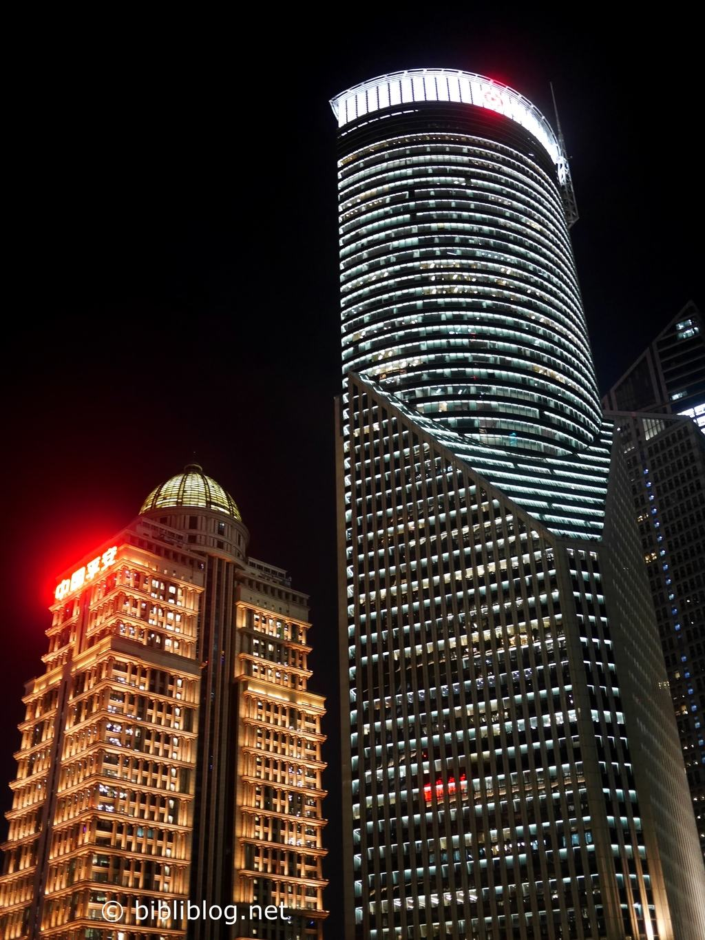 buildings-shanghai-nuit
