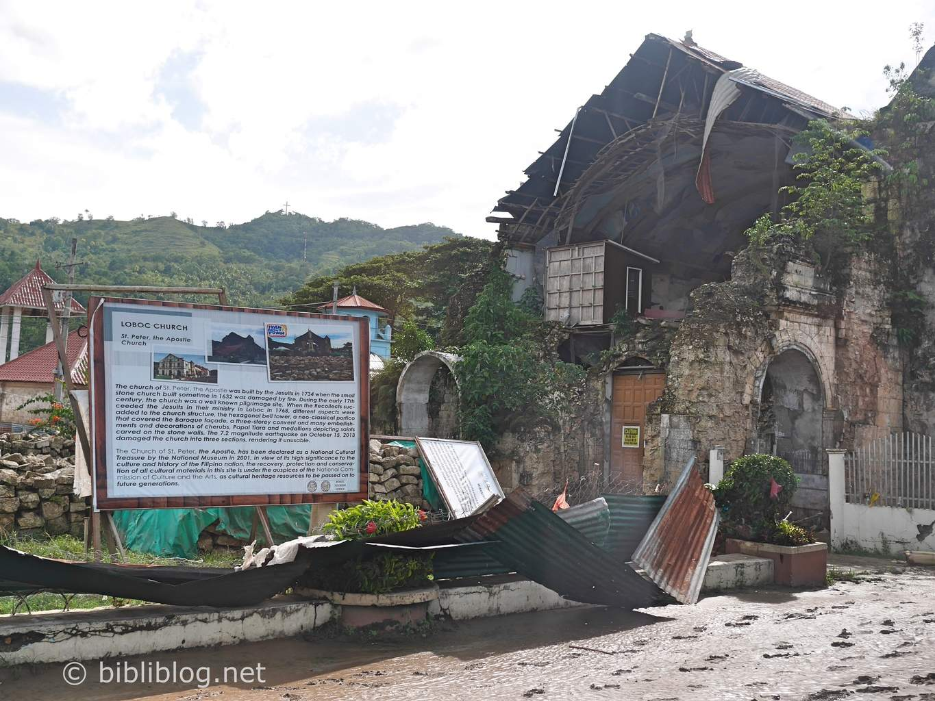 loboc-church-cyclone