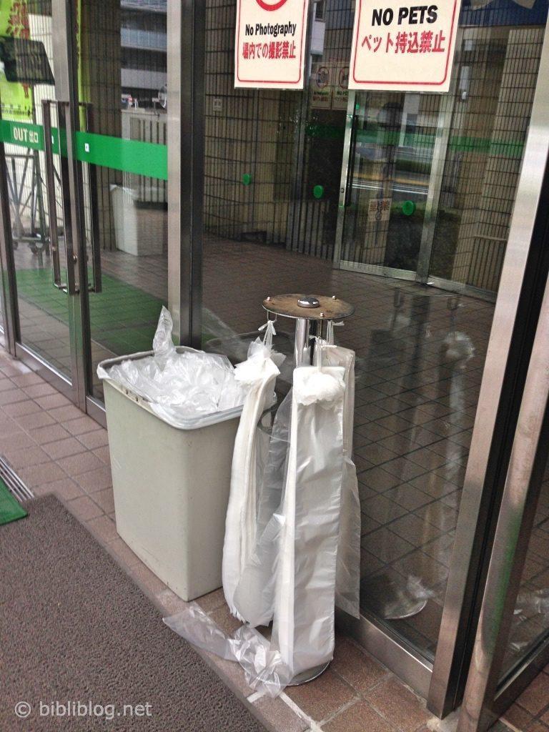 distributeur-sac-parapluie