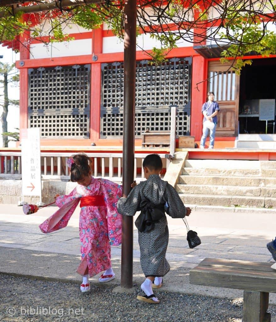 enfants-kimonos-tokyo