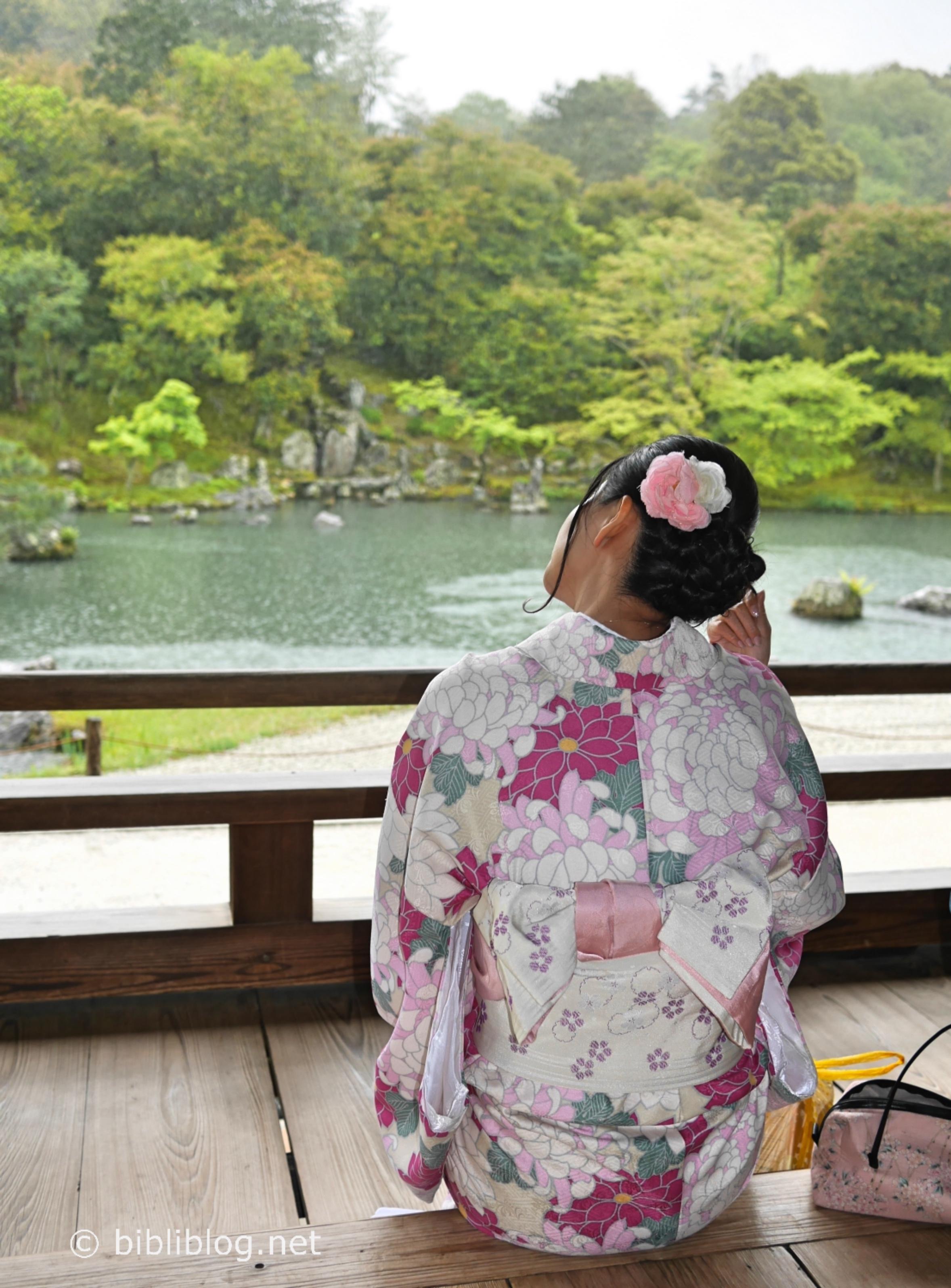 temple-kyoto-kimono