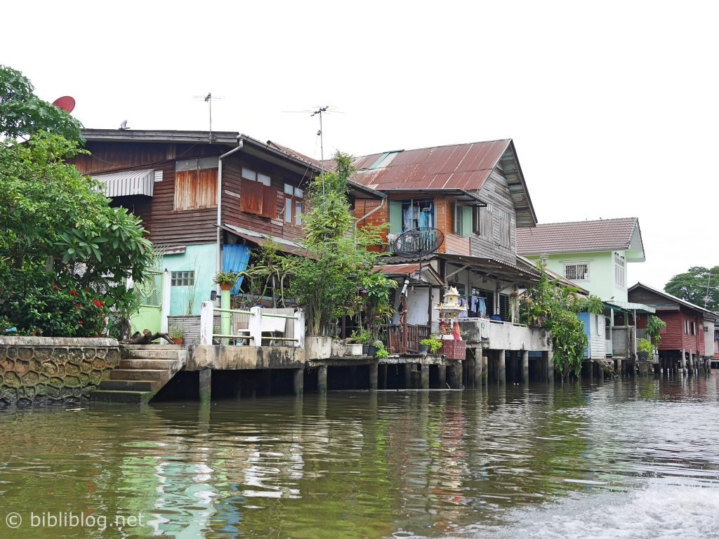 Bangkok canaux maisons pilotis