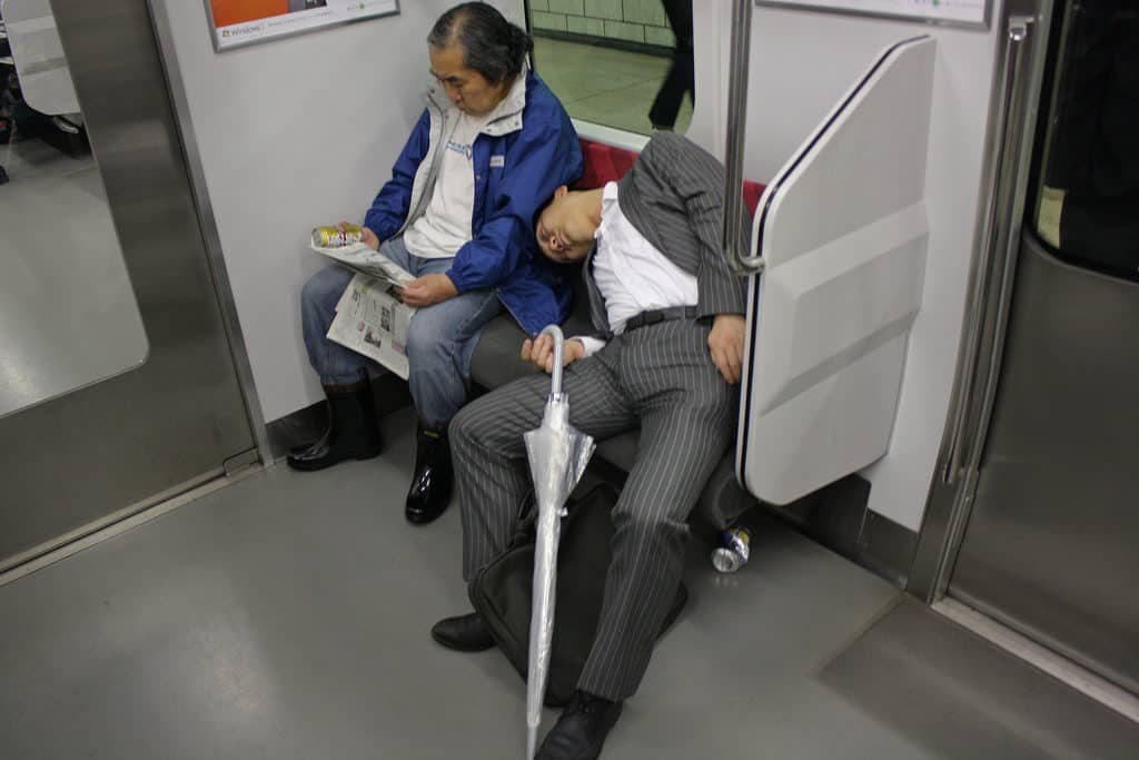 Dormeur-metro-japon