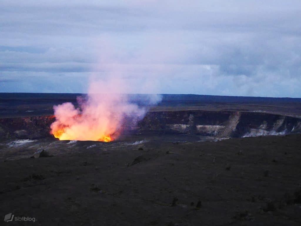 Lave en fusion du volcan à Hawaii