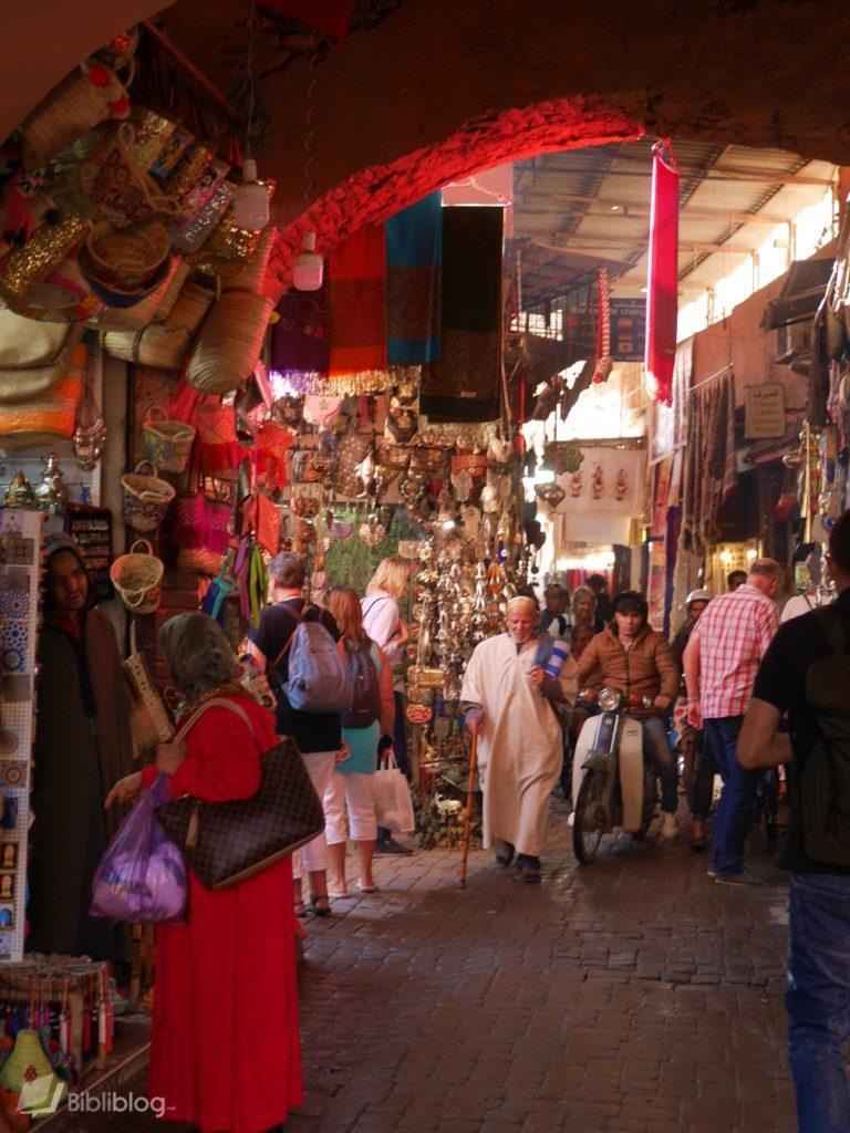 Rue du souk de Marrakech