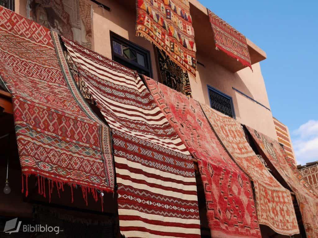 Tapis dans le souk de Marrakech